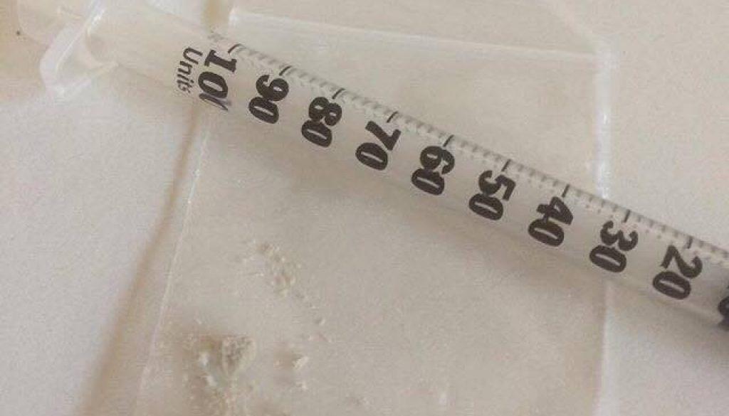 opioid_01_by-maya-holt